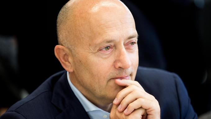 Srbski tajkun želi zabiti klin med lastnike Gorenjske banke