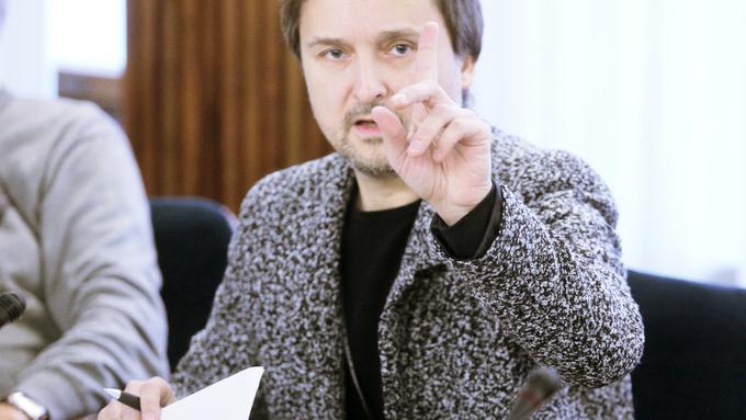 Sazas od Radia Hit zahteva več sto tisoč evrov, lastnik podjetje umaknil v davčno oazo